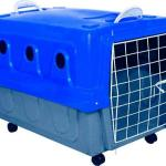 Caixa plástica para transporte de cães